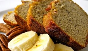 Banánový chlieb s pekanovými orechmi a agávovým sirupom